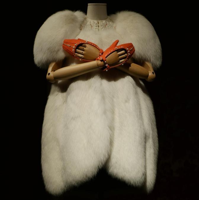 Ulyana Sergeenko Couture, soprabito in pelliccia Fall/Winter 2013-14. (© Andrea Acampa)