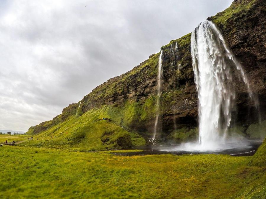 Islanda, cascate di Seljalandsfoss