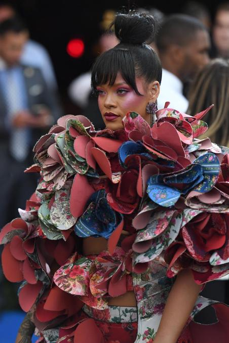 Rihanna al Met Ball 2017. (Photo by ANGELA WEISS / AFP)