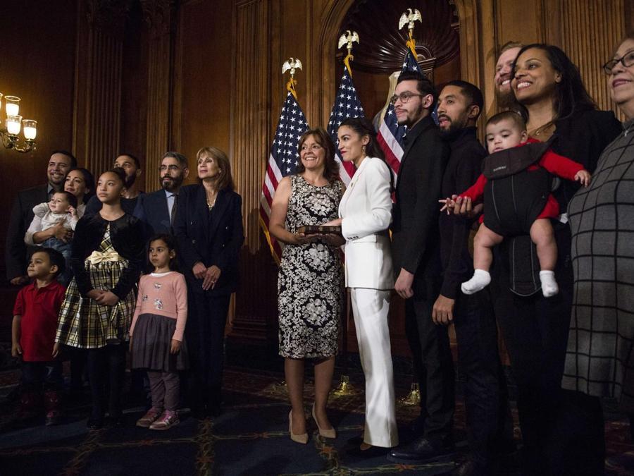 Alexandria Ocasio-Cortez e Blanca Ocasio-Cortez. (Zach Gibson/Getty Images/AFP)