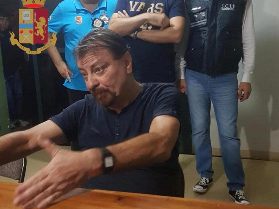 Cesare Battisti arrestato in Bolivia. (Photo by Handout / Polizia di Stato / AFP)