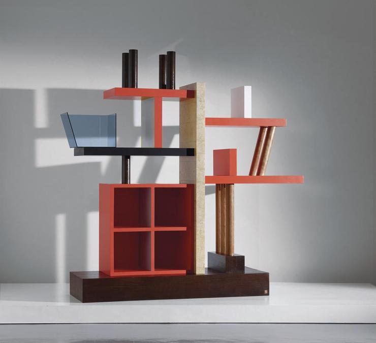 """Wannenes di Ettore Sottsass la libreria modello """"Liana"""" in legno laccato, impiallacciato, cristallo molato e clorato per Meccani di Cascina del 1993 venduta per 12.600 euro"""