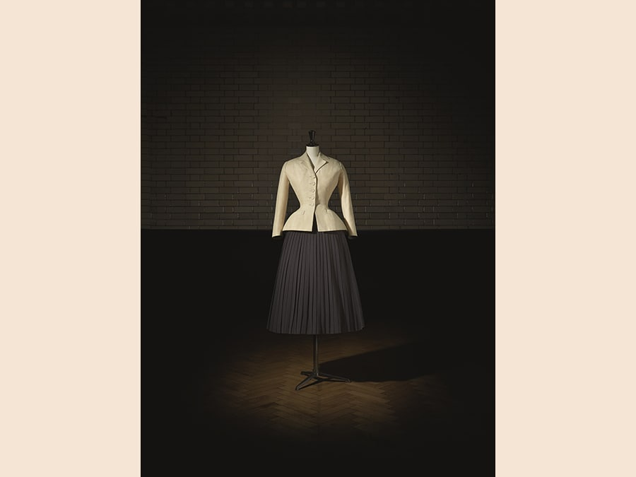 Bar Suit, Haute Couture, PE 1947, Corolle Line. Photo © Laziz Hamani. Victoria and Albert Museum, London
