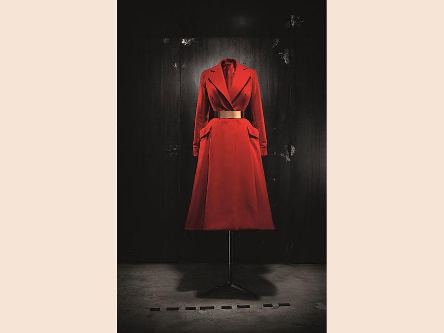 Christian Dior by Raf Simons, Haute Couture AI 2012. Photo © Laziz Hamani. Dior Héritage collection, Paris