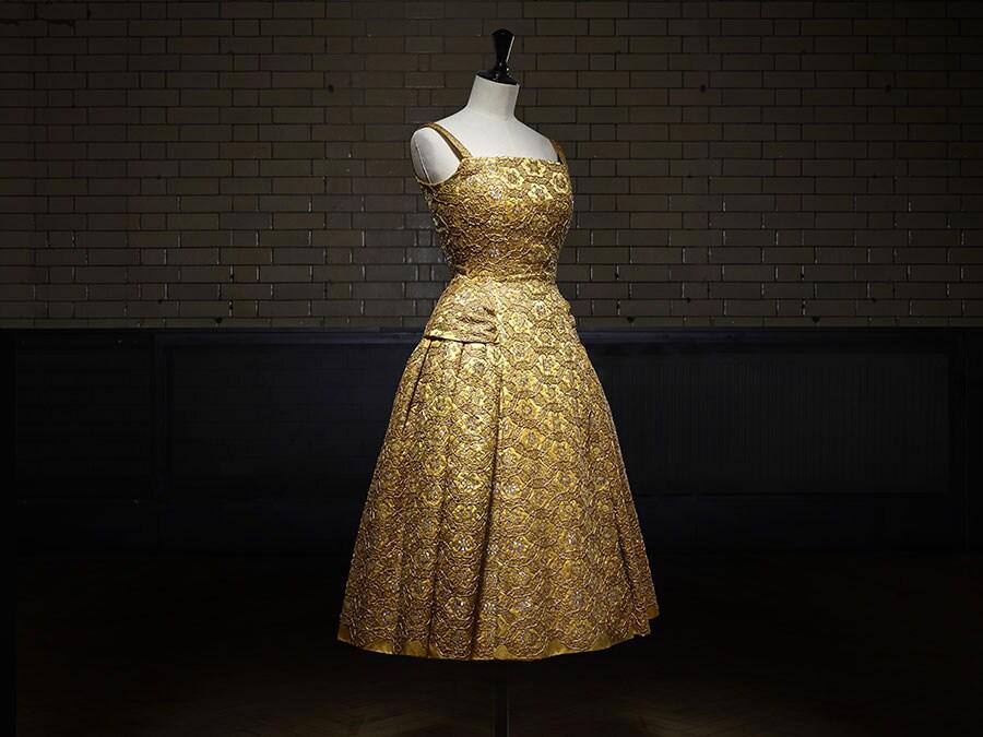 Abito Pérou AI 1954 Haute Couture. Victoria and Albert Museum, London. Dono di Cecil Beaton. Photo © Laziz Hamani