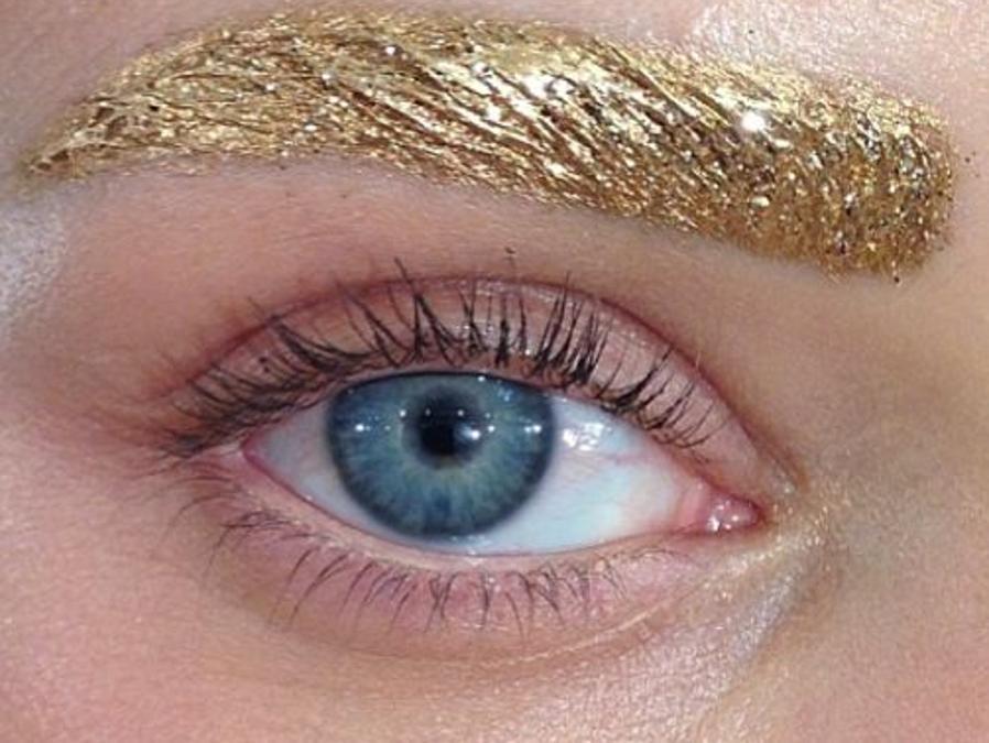 Visuel glitter brows