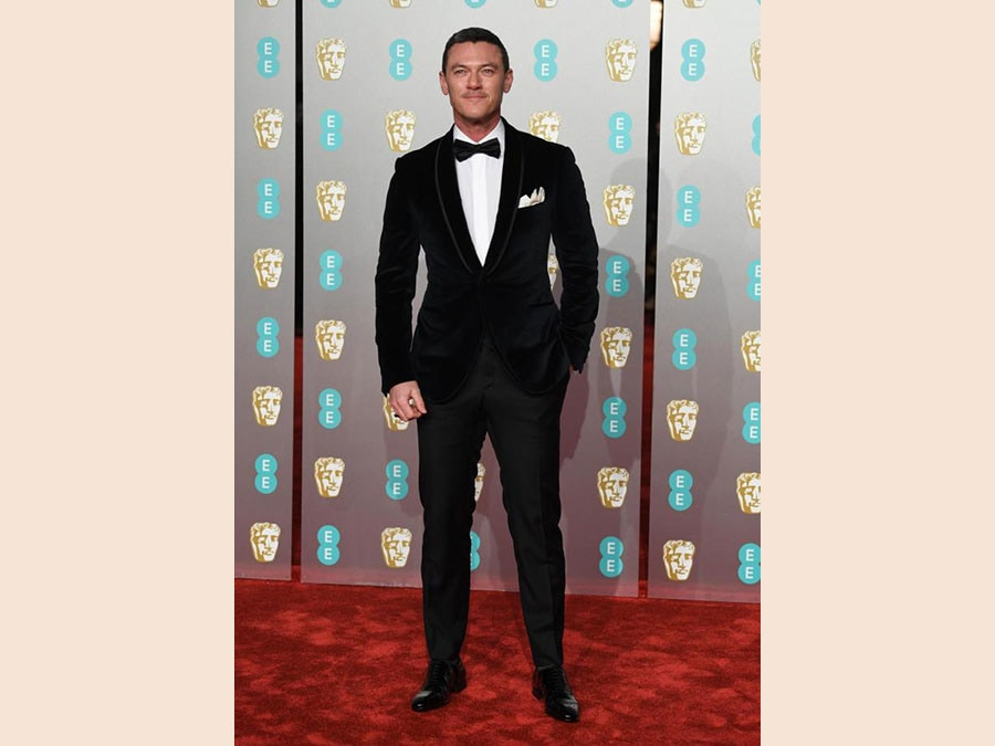 Luke Evans in Corneliani