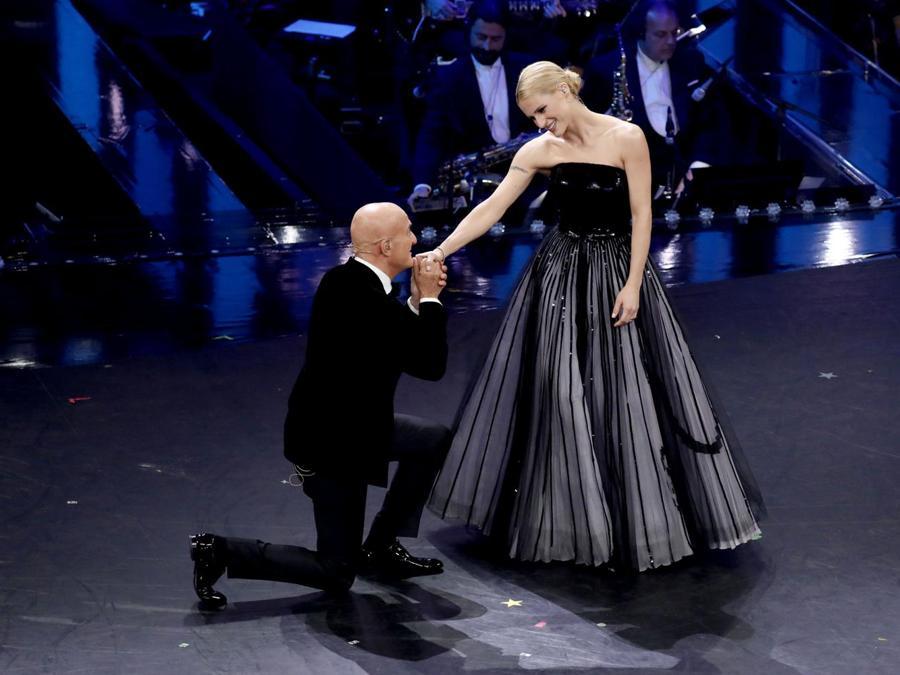Michelle Hunziker con Claudio Bisio (Italy Photo Press)