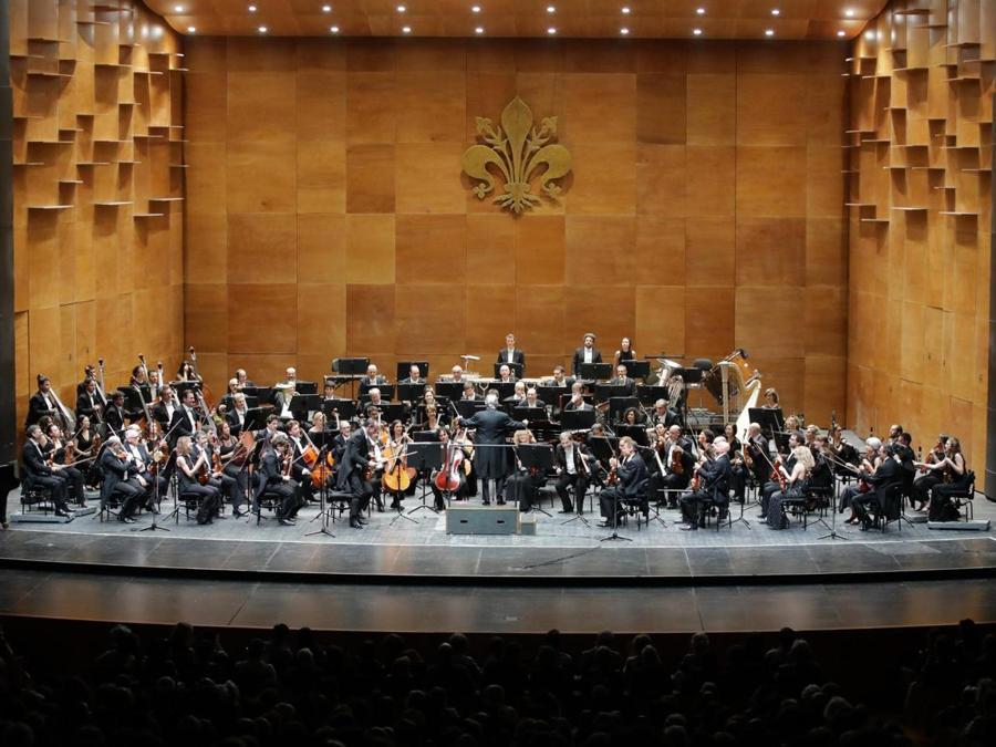 Il maestro Zubin Mehta, sul podio del teatro del Maggio musicale fiorentino -  ANSA