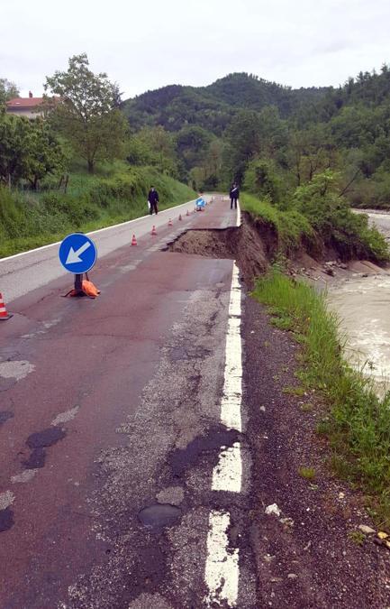 I danni provocati dalla rottura degli argini del Samoggia a causa del maltempo. (ANSA/ UFFICIO STAMPA)