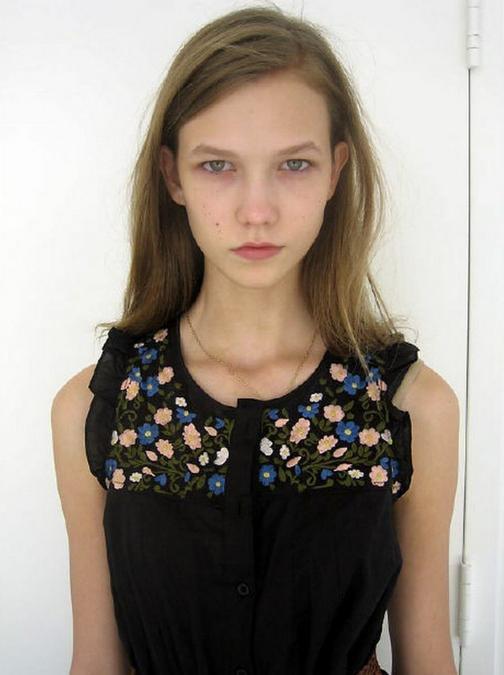 Karlie Kloss: a 15 anni, nel 2002, la modella e blogger di Chicago firma il suo primo contratto con la Elite Model Management