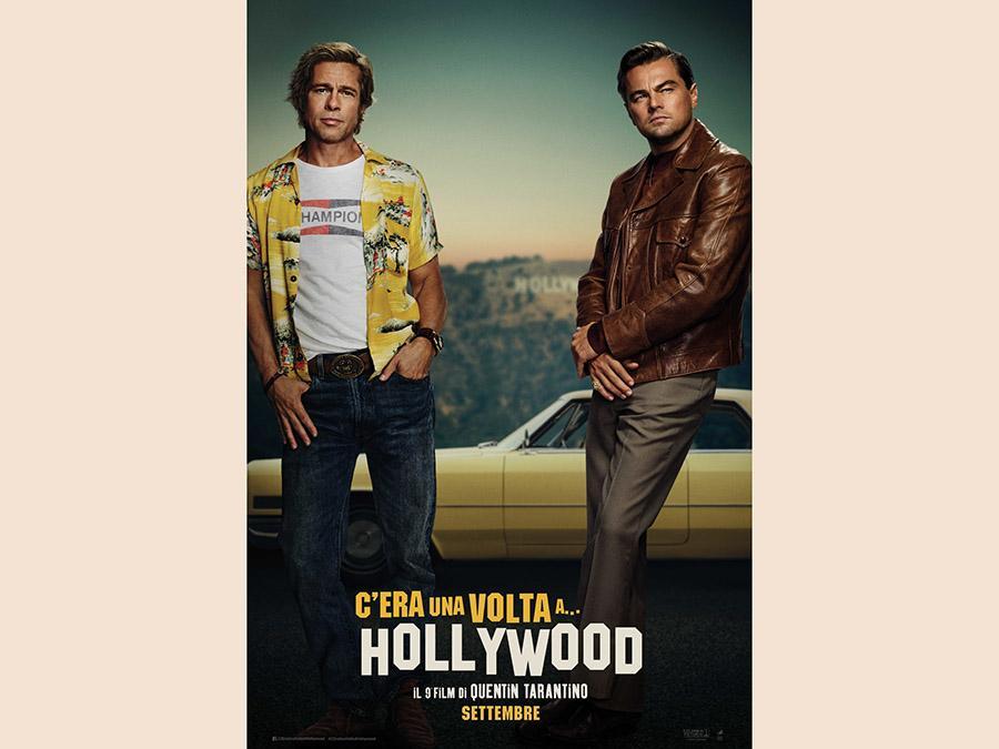 Il cartellone pubblicitario del nuovo film di Quentin Tarantino con Brad Pitt e Leonardo Di Caprio