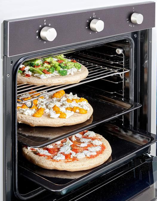 Franke, Maris Free MA86M, Pizza Gourmet,con una cavità di 74 litri, per cuocere contemporaneamente sino a 4 grandi pizze; è dotato di ricettario esclusivo e la potenza Boost arriva sino a 270 gradi che prepara le pizze in pochissimi minuti