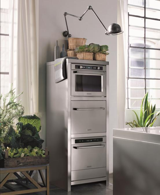 KitchenAid, Chef Touch, nuovissima macchina all-in-one, per cucinare sottovuoto con un metodo esclusiva a bassa temperatura che mantiene i principi nutritivi intatti; è dotata anche di macchina perc creare il sottovuoto, di un forno a vapore e di un abbattitore di temperatura.