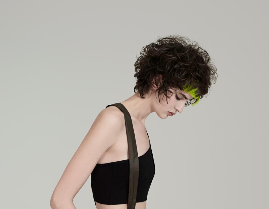 Framesi Italian Style Hair Revolution Collection, corto cotonato con inserti di ciocche di colori fluo