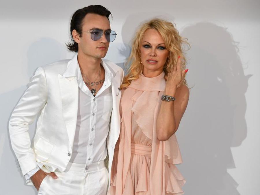 Pamela Anderson con il figlio  Brandon Thomas lee