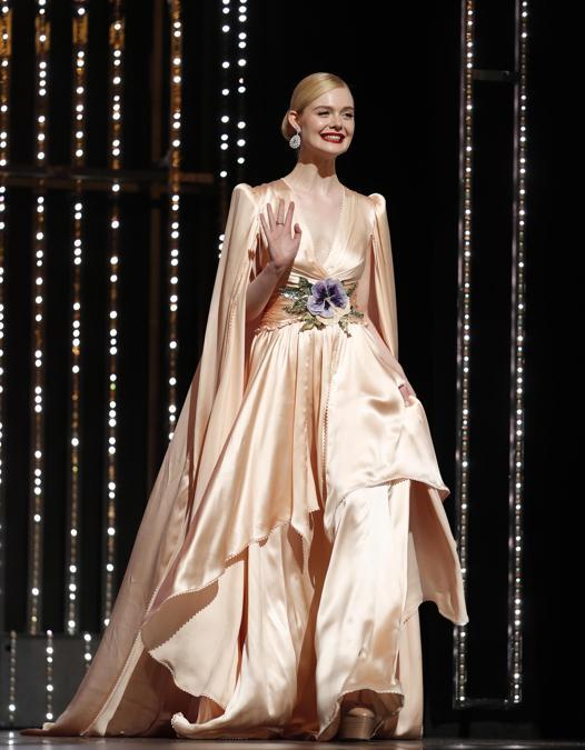 Elle Fanning in Gucci ( EPA/IAN LANGSDON)