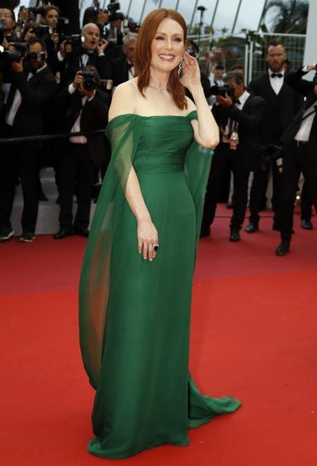 Julianne Moore in Christian Dior Haute Couture (REUTERS/Eric Gaillard)
