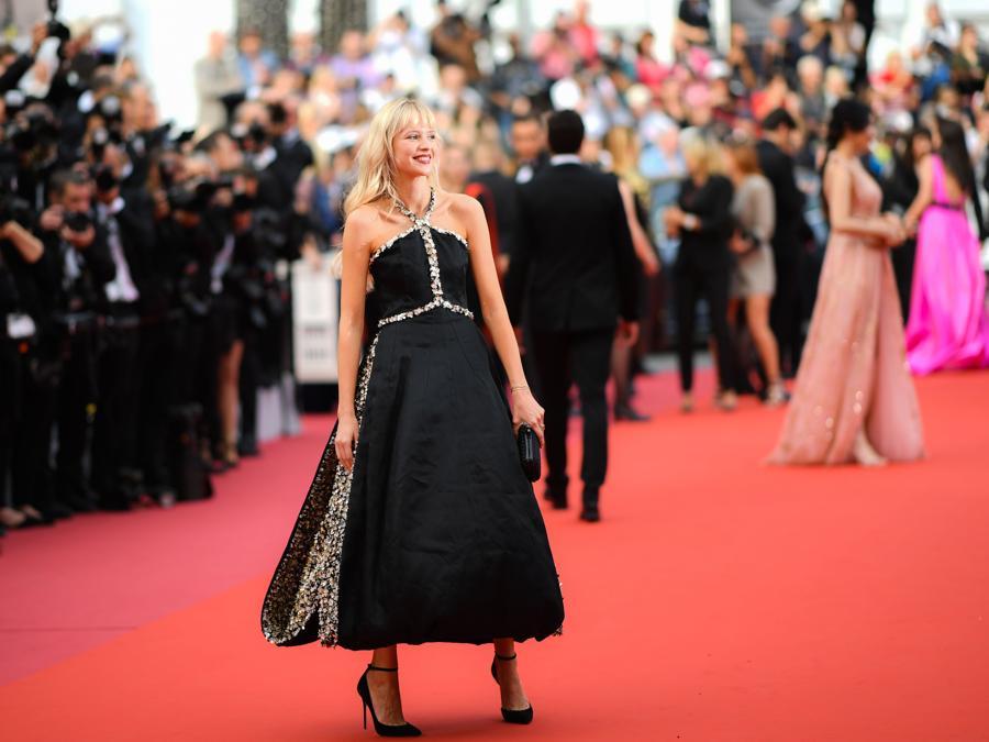 Angele Van Laeken in abito e gioielli Chanel (Photo by LOIC VENANCE / AFP)