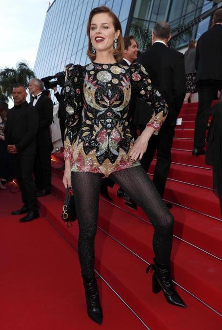 Eva Herzigova in Dior e gioielli Chopard