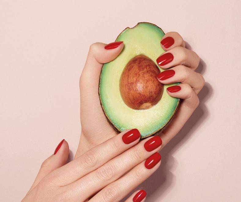 Nail Lacquer di ARTDECO, nella formula l'olio di avocado, dall'azione nutriente