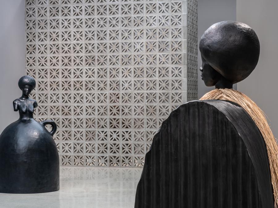 The Hugo Boss Prize 2018: Simone Leigh, Loophole of Retreat, vista dell'installazione al Solomon R. Guggenheim Museum, New York, 19 aprile-27 ottobre 2019 (foto: David Heald © 2019 The Solomon R. Guggenheim Foundation)