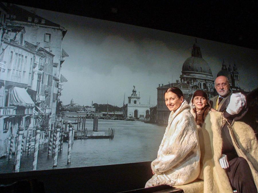 «Divina Eleonora»: mostra alla Fondazione Cini su Eleonora Duse. Nella foto Carla Fracci con Valentina Cortese e Pier Luigi Pizzi curatore della mostra (Agf)