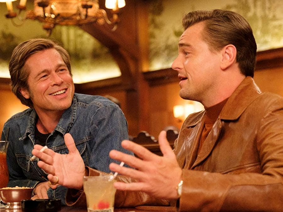 Brad Pitt  e Leonardo DiCaprio in C'era una volta a Hollywood(credit Andrew Cooper/Sony Pictures)