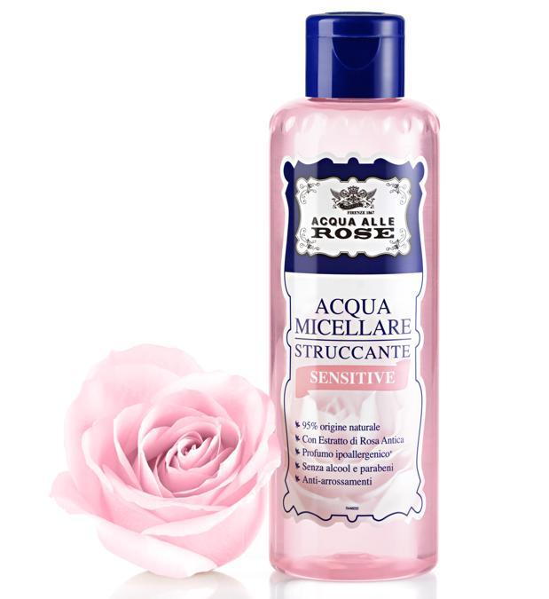 Acqua Micellare Sensitive di Acqua alle Rose, strucca e deterge viso&occhi in un solo gesto: le micelle inglobano e asportano trucco e impurità senza alterare l'equilibrio della pelle