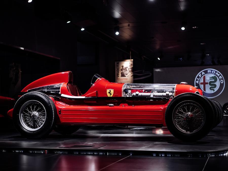Bimotore scuderia Ferrari (ph albertofeltrin.com)