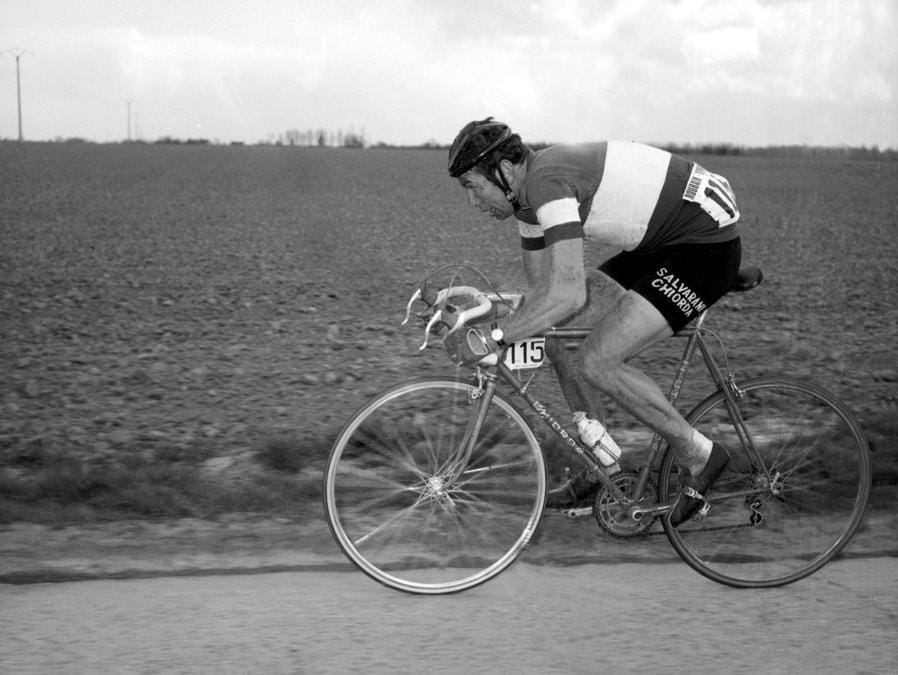 1969, Tour de France. Felice Gimondi nella Parigi-Roubaix (Afp)