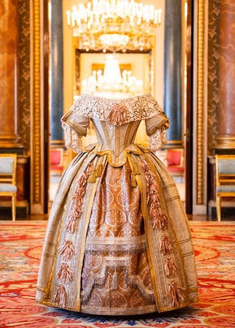 Costume indossato dalla regina Vittoria per il Ballo degli Stuart (credit Royal Collection Trust - Her Majesty Queen Elizabeth II 2019)