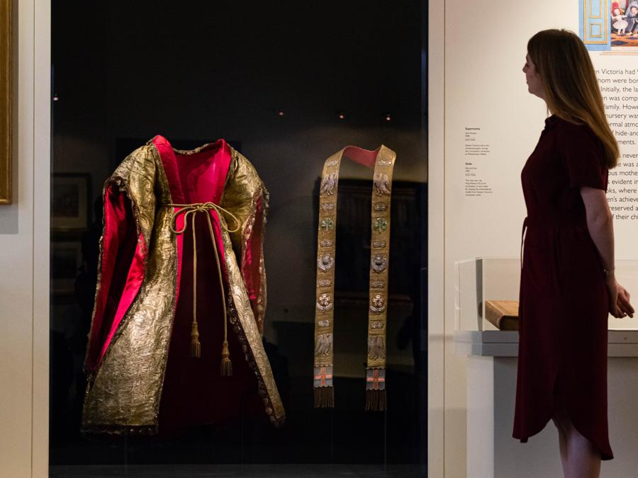 La Supertunica in mostra (credit Royal Collection Trust - Her Majesty Queen Elizabeth II 2019)