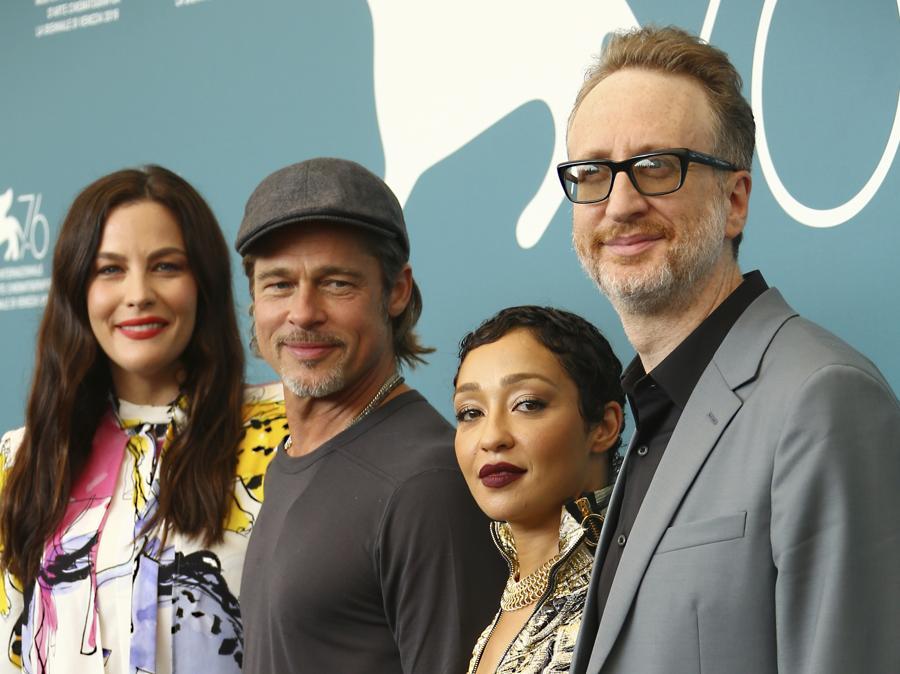 Liv Tyler,  Brad Pitt, Ruth Negga  e il regista James Gray. (Photo by Joel C Ryan/Invision/AP)