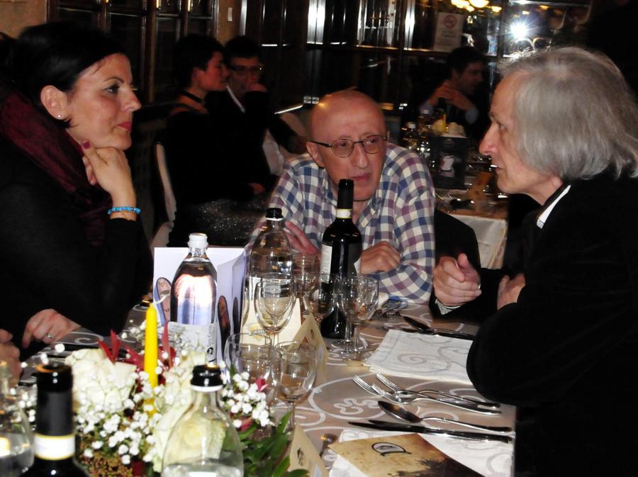 2014, Forte dei Marmi. Carlo Dalle Piane con la moglie Anna (Fotogramma)