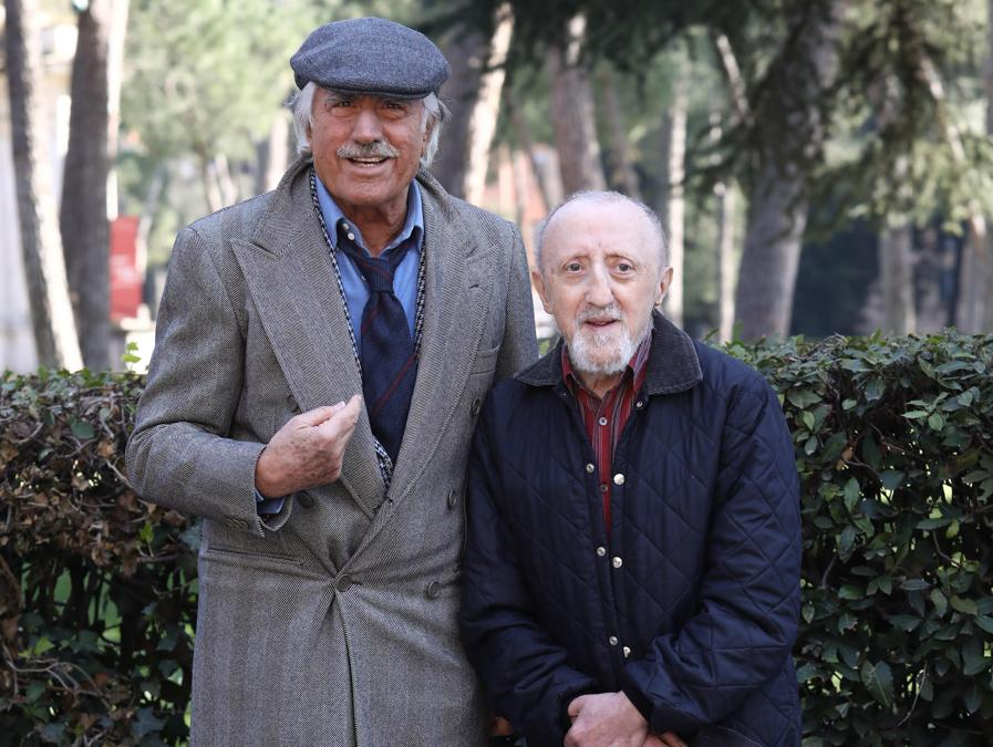 2017, Roma, Casa del Cinema, photocall del film 'Chi salverà  le rose?'. Carlo Delle Piane e Lando Buzzanca(Fotogramma)