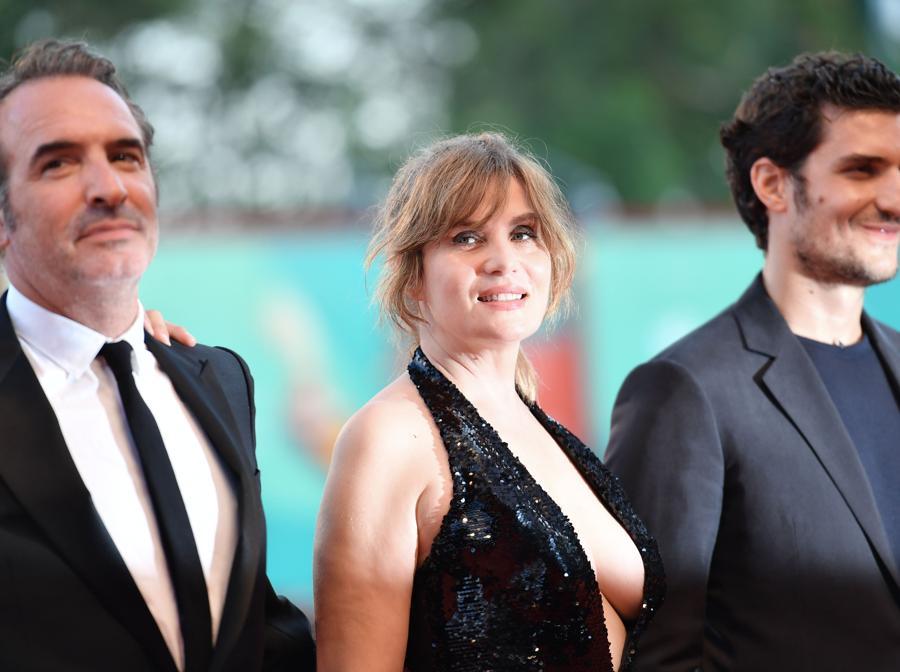 Louis Garrel,  Emmanuelle Seigner,  Jean Dujardin all'arrivo per la proiezione del film «J'Accuse» (Un Ufficiale e una Spia). (Photo by Alberto PIZZOLI / AFP)