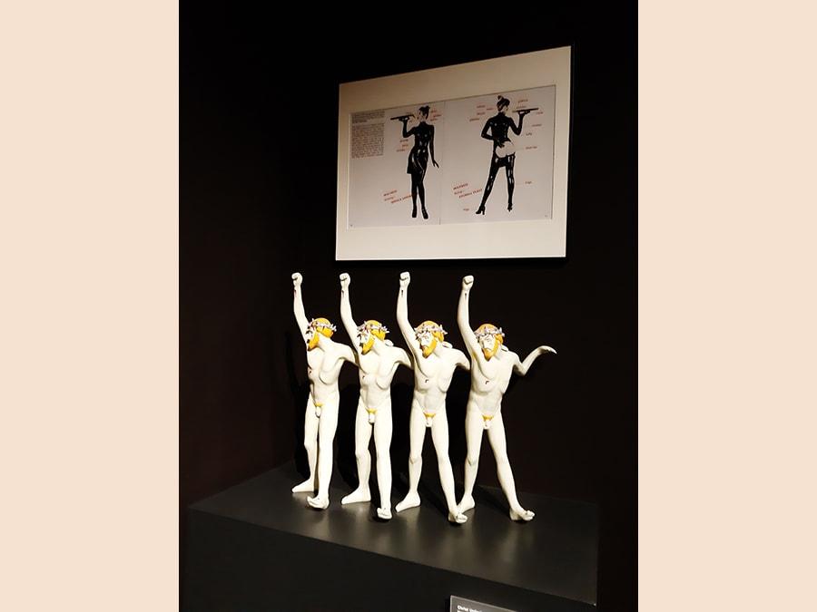 Statuina dei 4 cristi dal set di «Arancia Meccanica»