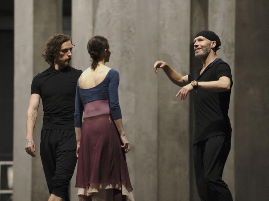 Prove di Romeo e Giulietta. Johan Kobborg con Alina Cojocaru e Sergei Polunin (foto Ivan Sjak)