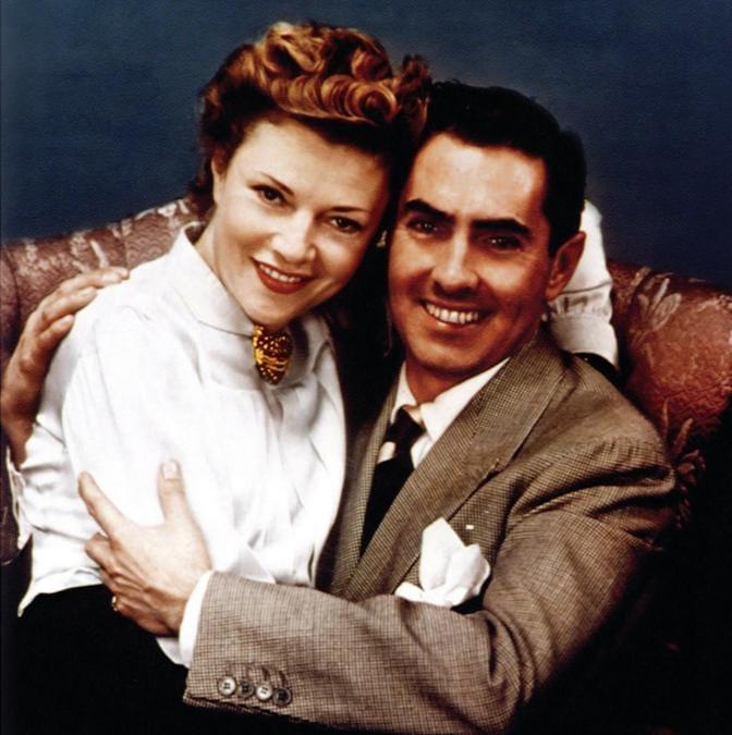 Tyrone Power con la moglie Annabella, per la quale nel 1941 commissionò a Verdura la spilla con il cuore avvolto da un nastro