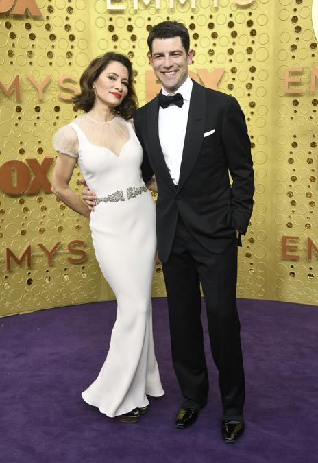 Tess Sanchez e Max Greenfield. (Frazer Harrison/Getty Images/AFP)