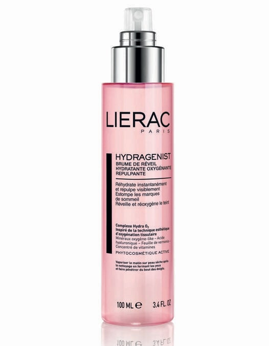 Lierac Hydragenist Brume de reveil. Ispirata alla tecnica dell'ossigenazione tissutale, quest'acqua energizzante, a base del complesso Hydra O2, reidrata, ossigena e rimpolpa, estratto di rhodiola rosea per favorire il metabolismo cellulare. Contiene inoltre estratto di rosa damascena per tonifica e levigare. (in farmacia)