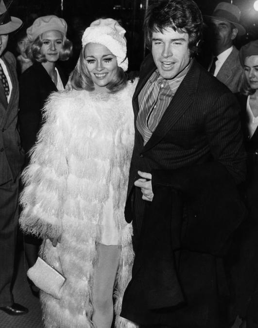 Faye Dunaway e  Warren Beatty alla première di «Bonnie and Clyde», Moulin Rouge, Parigi, 25 gennaio 1968