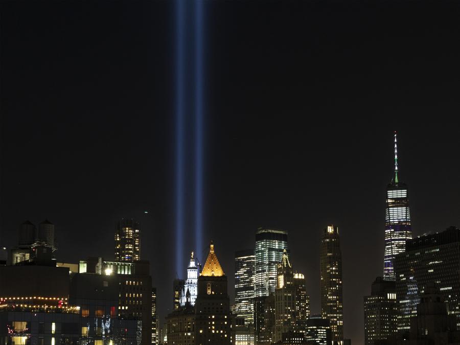 (AP Photo/Mark Lennihan)