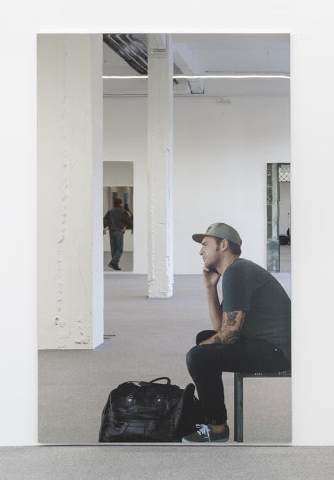 Cosmoscow 2019, Michelangelo Pistoletto (1933),Smartphone – Uomo seduto che telefona, 2018, Silkscreen On Super Mirror Stainless Steel 250 X 150 Cm Edition: Pezzo unico (prezzo 450 mila euro). Giorgio Persano Gallery (Torino)