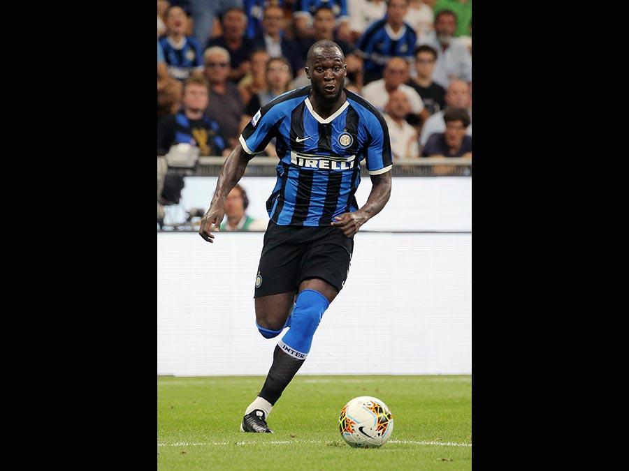 Il 26enne attaccante belga di origini congolesi, Romelu Lukaku acquistato dall'Inter. Al Manchester United 65 milioni di euro più 10 di bonus. (Afp)