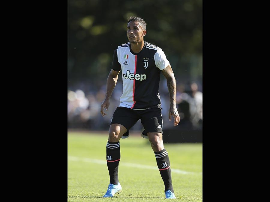 Il 26enne esterno destro brasiliano, Danilo, acquistato dalla Juventus. Al Manchester City 37 milioni di euro. (Ap)