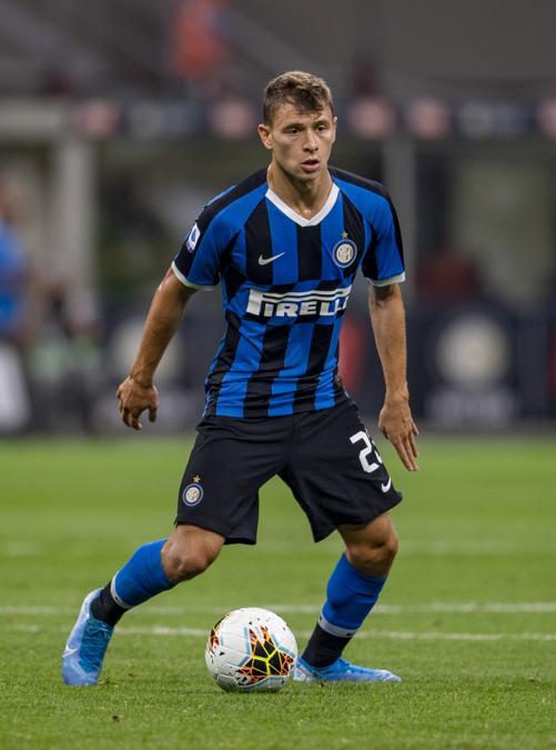 Il 22enne centrocampista Nicolo Barella, dal Cagliari all'Inter con la formula del prestito oneroso annuale con obbligo di riscatto. Il costo dell'operazione è complessivamente di 37 milioni più bonus, facilmente raggiungibili fino ad arrivare a 45 milioni. (Reuters)