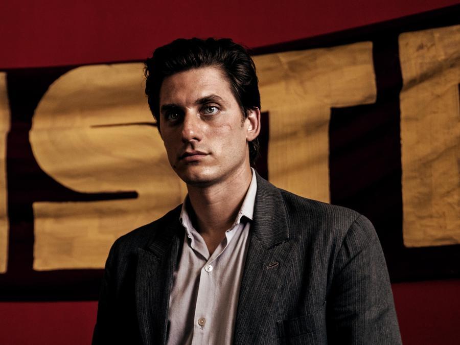 Luca Marinelli  in una scena del film 'Martin Eden' (Italy Photo Press)