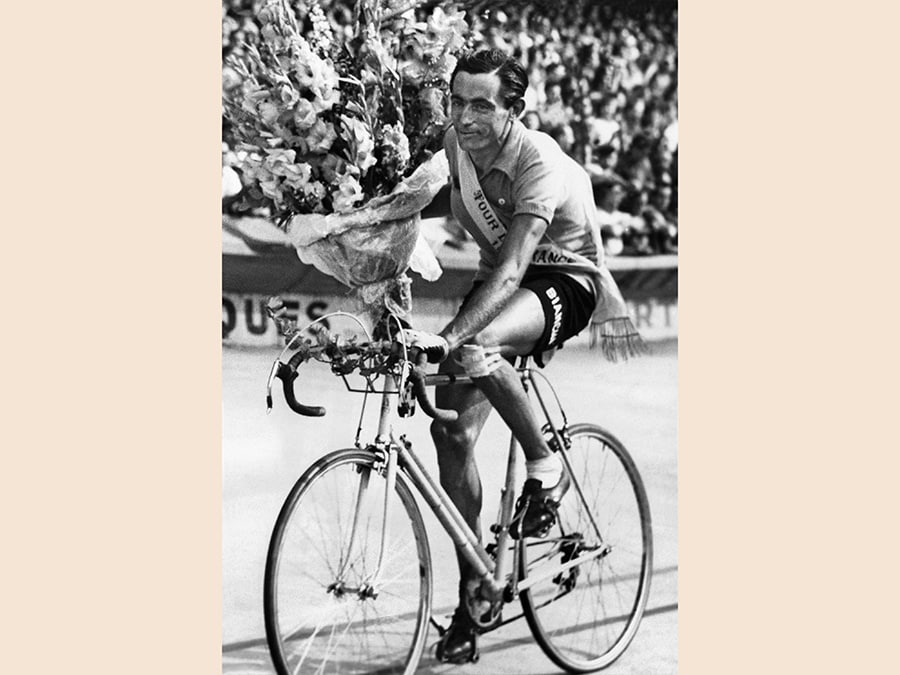 Fausto Coppi, vincitore del  Tour de France, 1949 (ANSA/AP Photo)